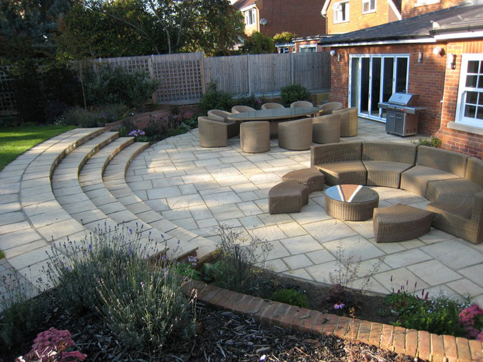 Christine lees garden design a garden in hertfordshire for Garden and patio designs
