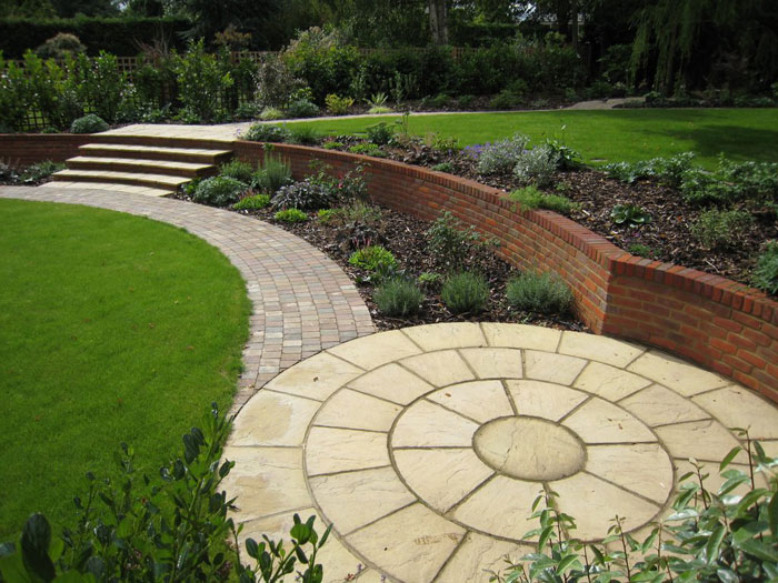 Christine lees garden design a garden in hertfordshire for Garden sit out designs